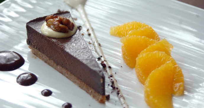 Chocolate Ganache Tart with spices and oranges